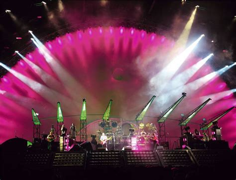 Watch Pink Floyd Concerts Free Online | Den of Geek